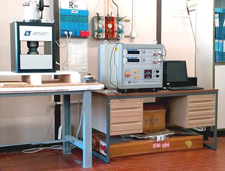 Hysteresisgraph at the Istituto di Struttura della Materia, Roma, IT (ISM-CNR)